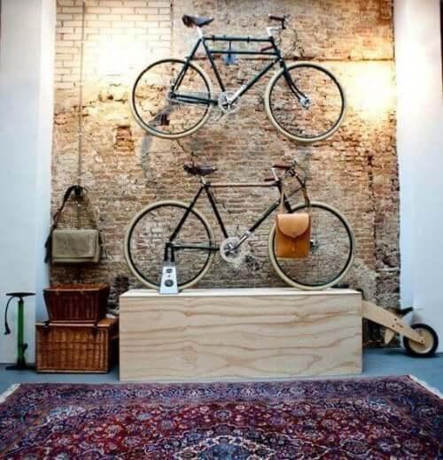 古い自転車を再利用してインテリアに!