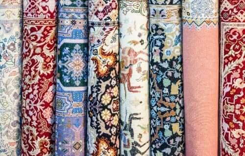 優雅でエキゾチックなダマスカス絨毯