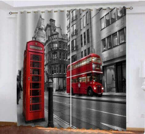 ロンドン柄のカーテン プリントの入ったカーテン