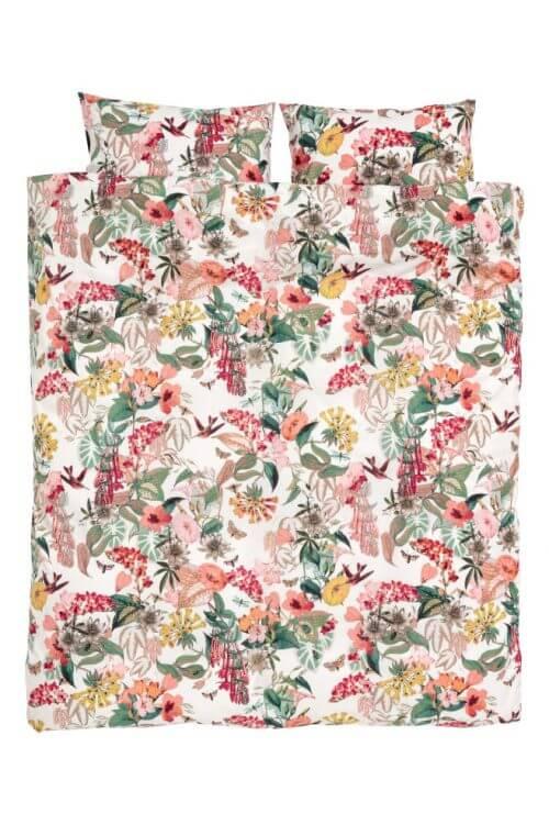 H&M에서 나온 꽃 모티브 침구