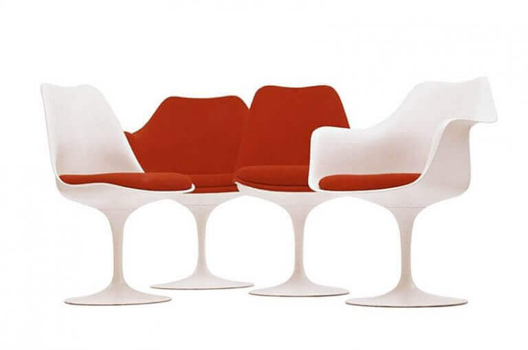 튤립 의자: 플라스틱과 미니멀리즘의 조합