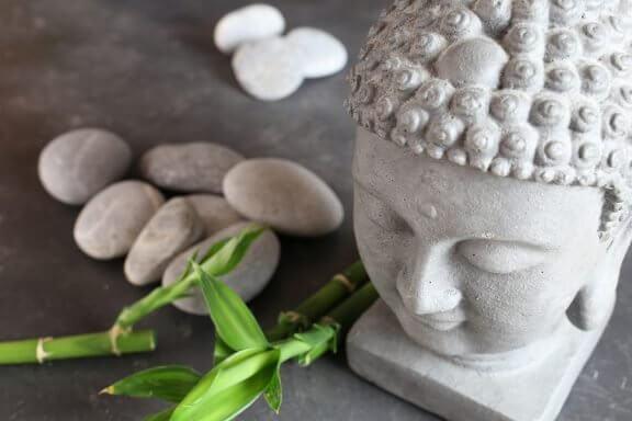 돌과 조약돌: 데코에 자연의 감성 불러들이기