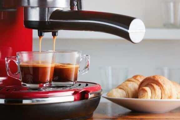 최고 품질의 세계적 커피 머신 비교 분석