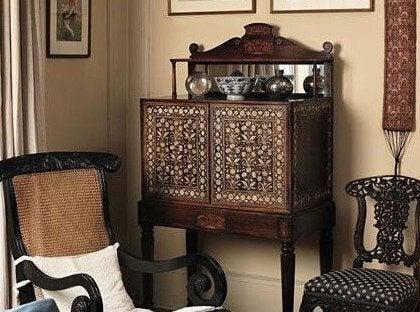 바르구에뇨 책상: 역사와 전통