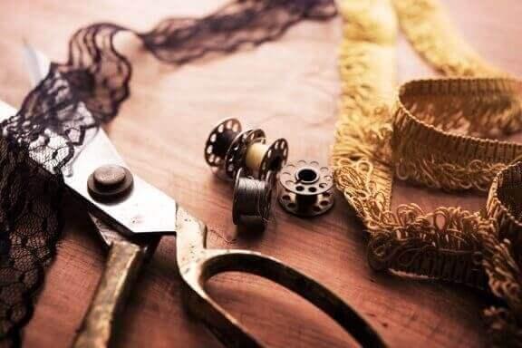 홈 데코를 위한 직물 장식: 테두리, 가두리, 프릴