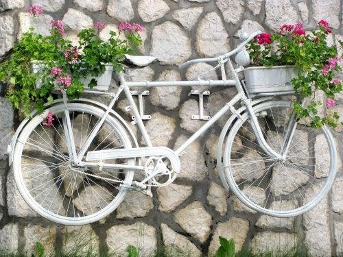 자전거를 벽