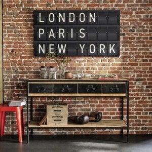 런던, 파리, 뉴욕 보드판을 이용한 집 입구 장식
