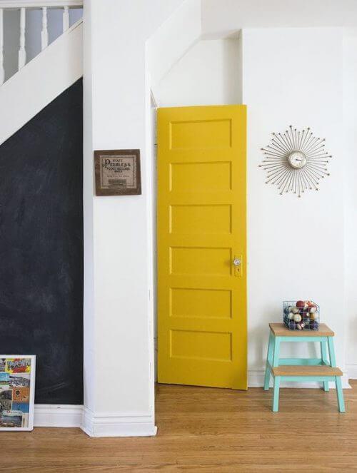 딱 맞는 문을 거실에 선택한 예.