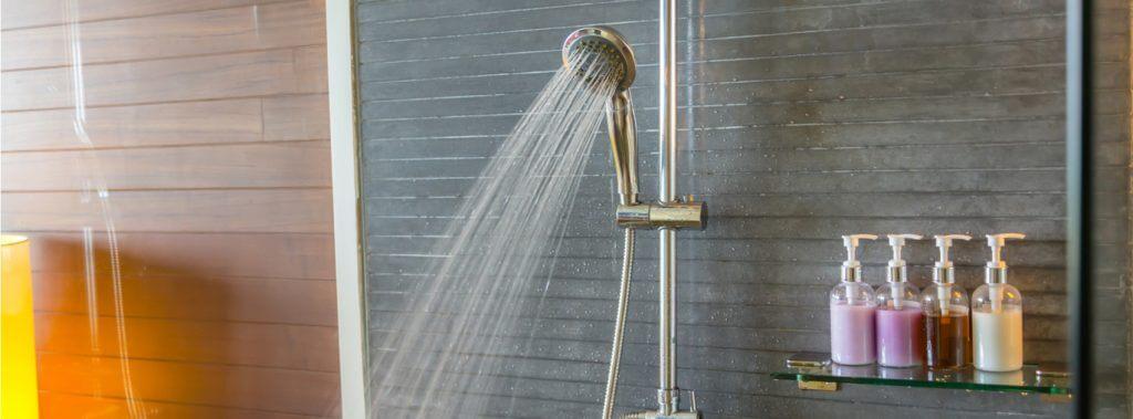 샤워기가 있는 화장실 꾸미는 4가지 방법