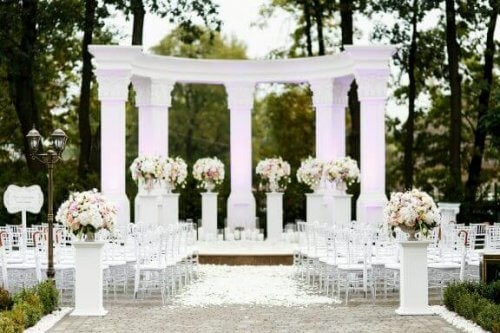 결혼식 단상을 장식하는 방법 대공개