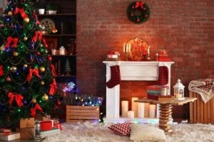 크리스마스 느낌나는 모조 벽난로를 활용한 데코