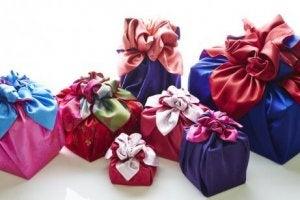 동양식의 기발한 선물 포장 방법