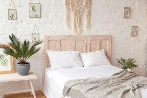 침실의 마크라메 커튼