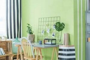 그리너리: 꾸준히 유행하는 트렌드 - 녹색으로 꾸민 벽면