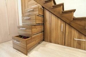 계단 아래 공간 활용-저장공간