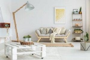 실내장식 페어링: 천연목재 + 흰색