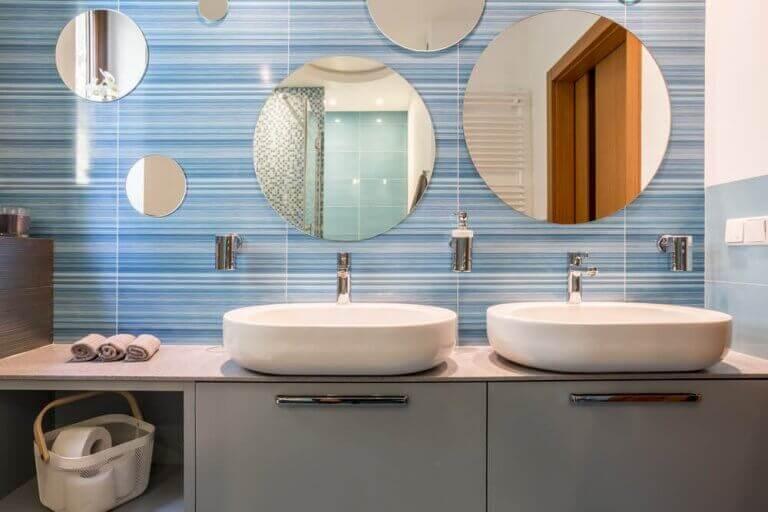 욕실 싱크대: 다른 장식 공식