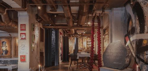 상업 장식의 벽화와 그라피티