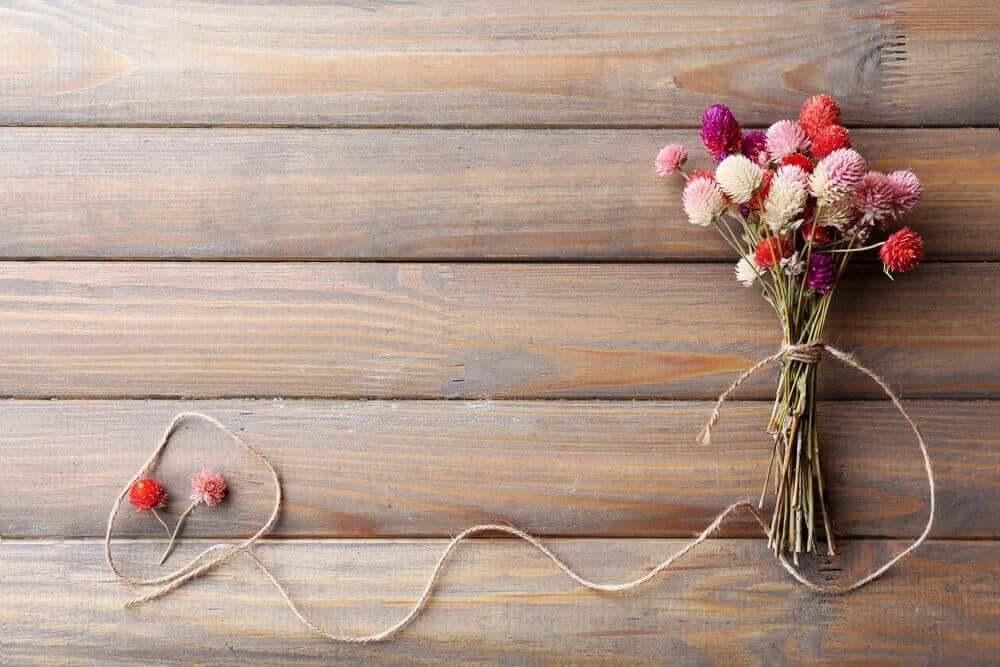 말린 꽃을 이용한 장식 아이디어