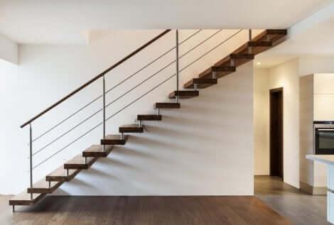 계단 수직 판이 없는, 가볍고, 현대적인 것