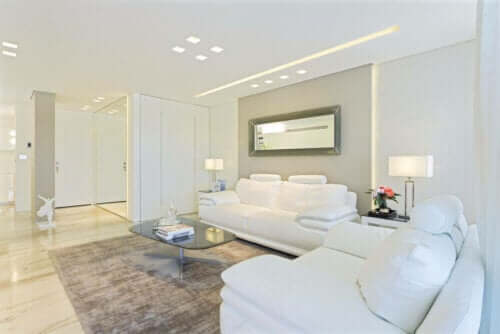 하얀색 벽을 완벽하게 꾸미는 6가지 방법