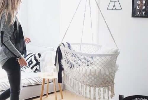 마크라메 공예 아기 침대