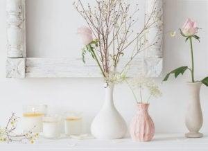 Keramische vazen in wit