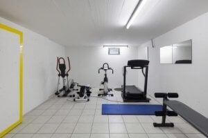 De garage als fitnessruimte