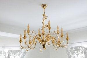 Hanglampen en kroonluchters als plafondverlichting