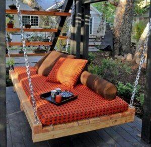 Een hangstoel van pallets is ook ideaal