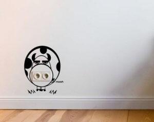 Originele vinylstickers om je stopcontacten te verbergen