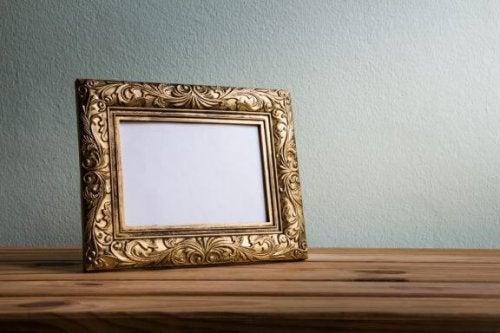Vintage houten lijsten voor je woonkamer