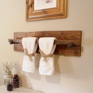 Hout is ideaal om te gebruiken in je badkamer