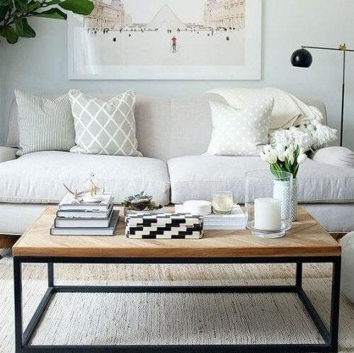 Het belang van een salontafel in je woonkamer