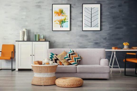 Woonkamer zonder decoratiefouten bij het kiezen van de kleuren