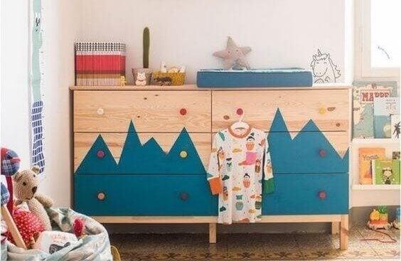Van dressoir naar kast voor in de kinderkamer