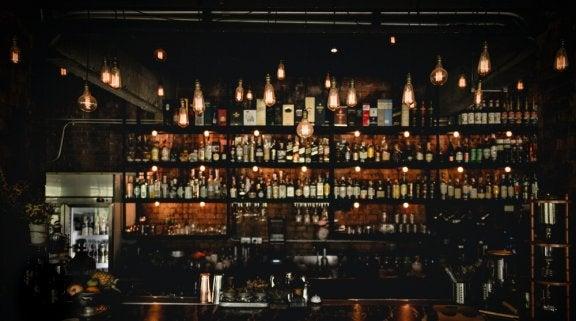 Bar met kleine sfeerlichtjes