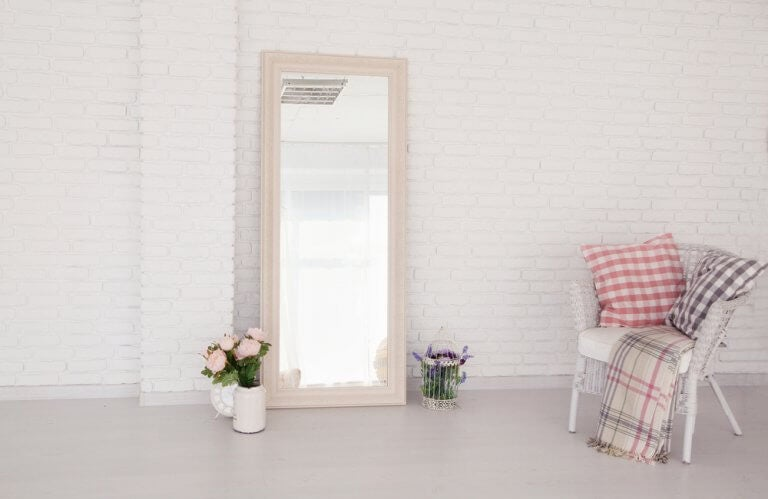 Grote staande spiegel