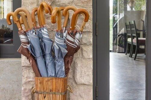 Milieuvriendelijke parapluhouders van hout