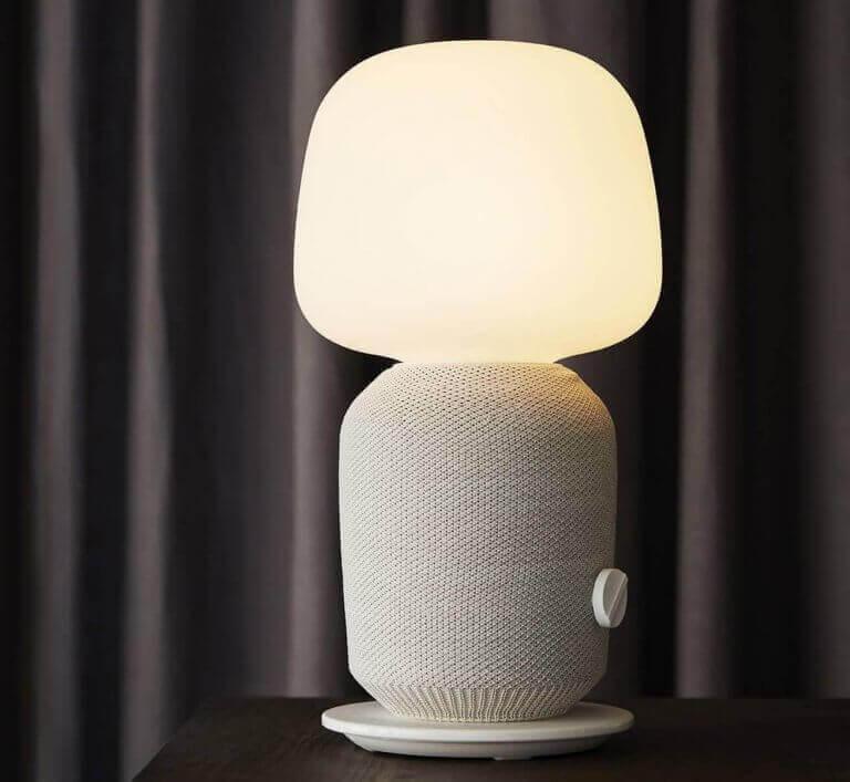 Beige lamp uit de ikea catalogus 2020