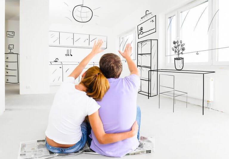 Mensen overleggen over nieuw interieur