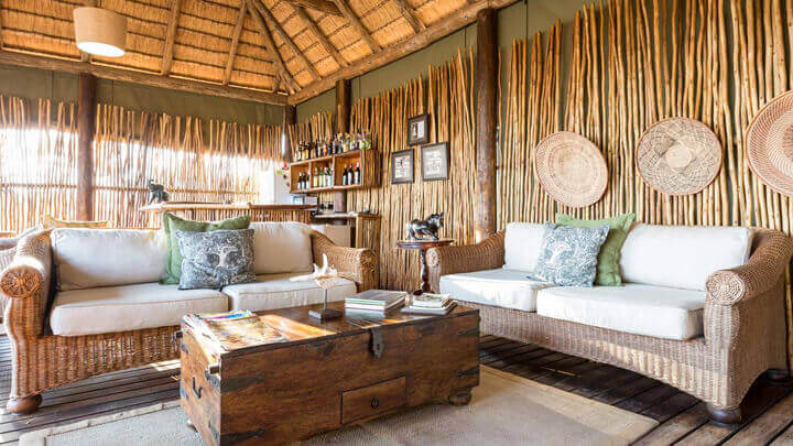 Woonkamer in Out of Africa stijl