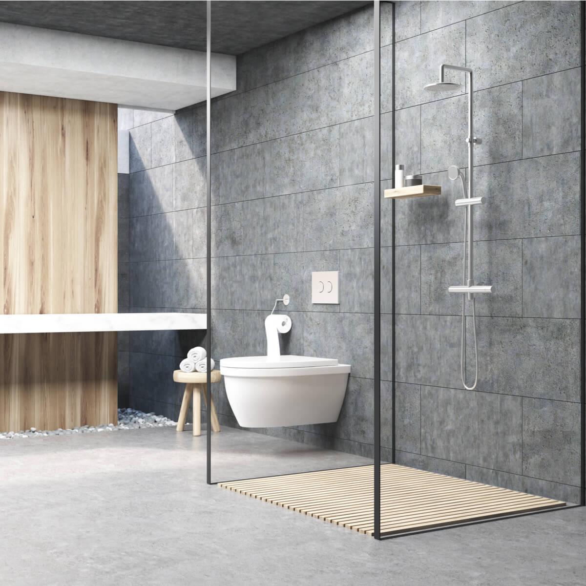 Badkamer met douche van glas