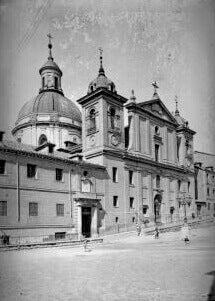 Een oude foto van de kerk
