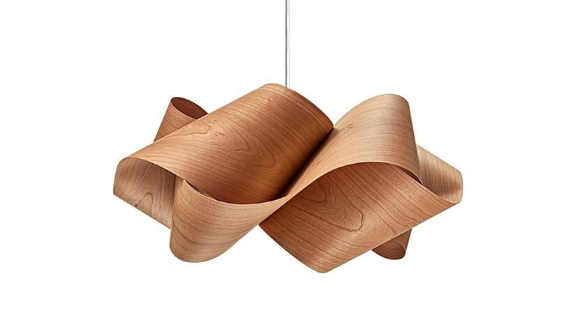 Plafondlamp van hout
