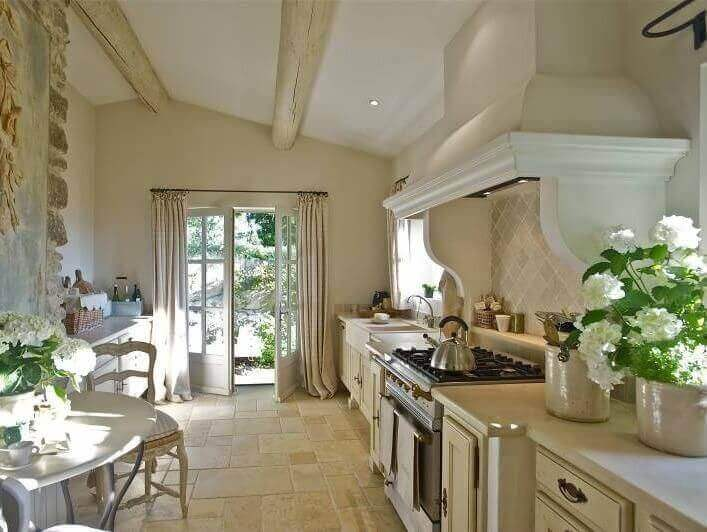 Keuken in Franse provinciale stijl