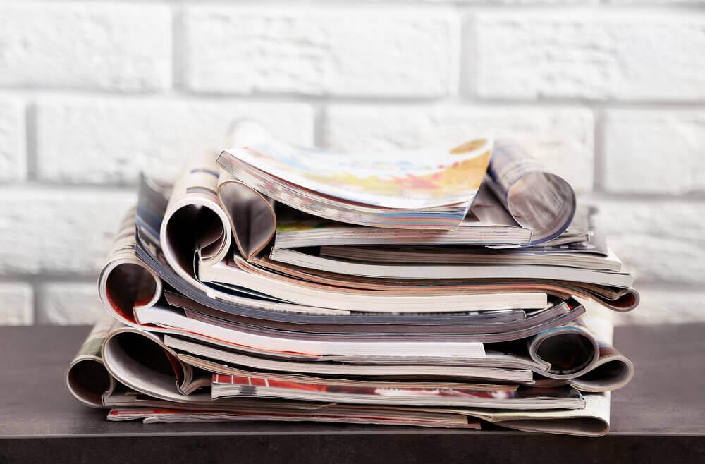 Stapel met tijdschriften