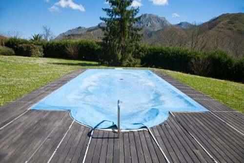 5 slimme redenen waarom je je zwembad af moet dekken