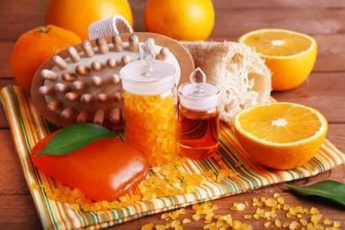 Blaas met oranje decoraties nieuw leven in je badkamer