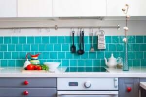 Keuken met blauw en grijs